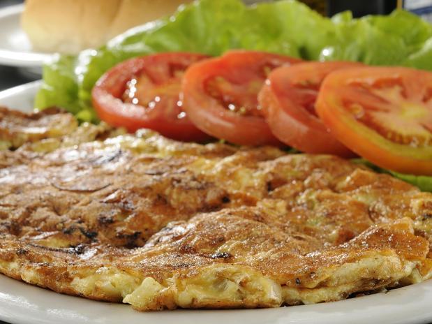 Omelete de queijo branco e peito de peru